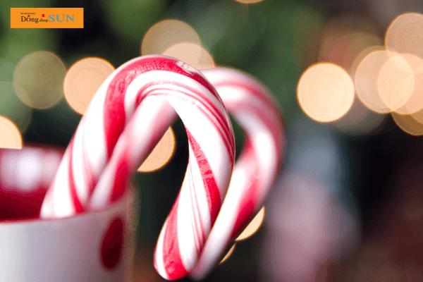 Que kẹo hình gậy ngày Giáng Sinh
