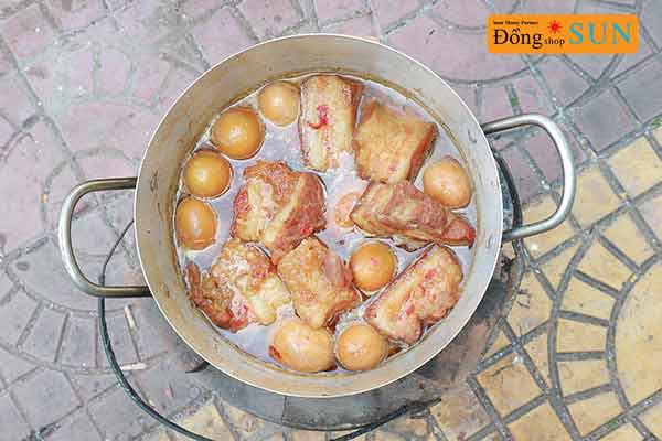 Món ăn Tết ở Việt Nam
