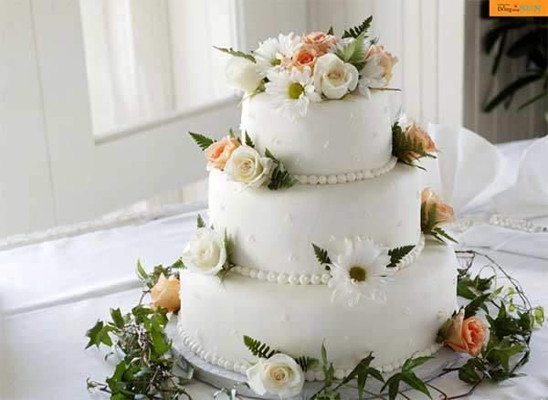 Làm giả 1 phần bánh cưới